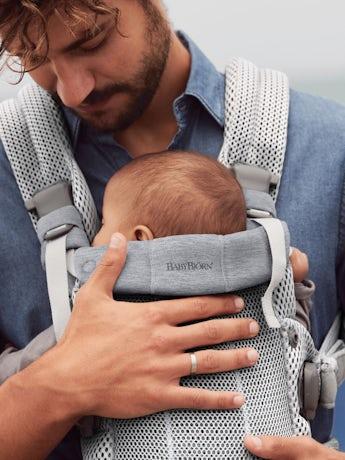 Porte-Bébé Harmony Argent 3D Mesh ultra confortable avec un support lombaire rembourré et une conception physiologique