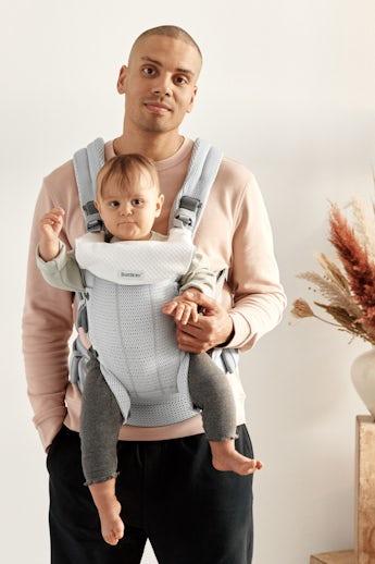 Porte-bébé Harmony Argent avec bavoir kombiné - BABYBJÖRN