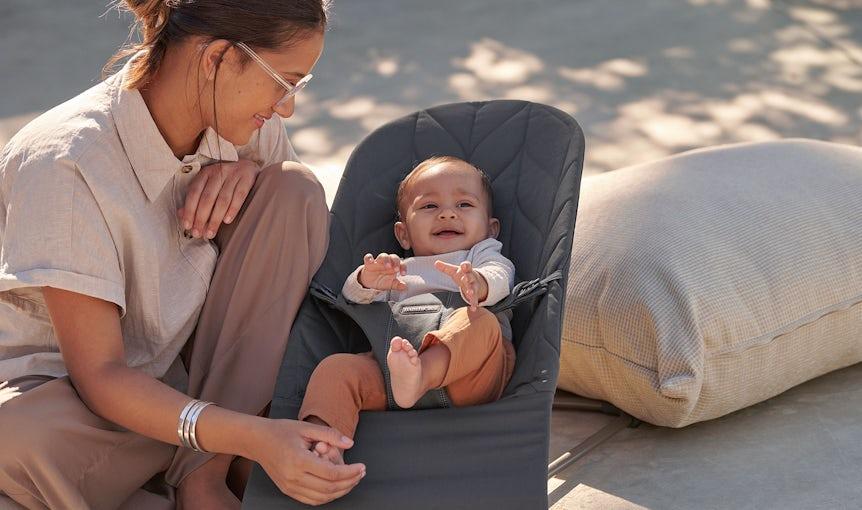 Babysitter Bliss med en ny tygsits i bladmönstrad quilt