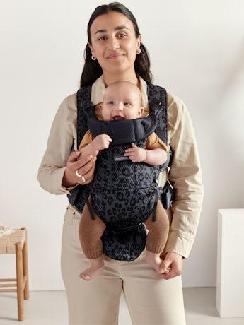 Babytrage Move in Anthrazit/Leopard 3D Netzstoff, eine ergonomische und einfache Trage mit guter Rückenstütze