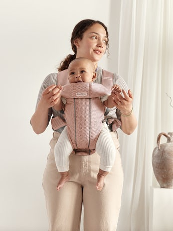 Baby Carrier Mini Dusty pink in 3D Mesh - perfect for newborns and easy to adjust to the babywearer