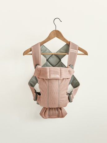 Baby Carrier Mini Dusty pink in 3D Mesh, perfect for newborns