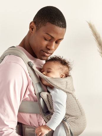 Baby Carrier Move Grey beige, a ergonomic, user-friendly and flexible baby carrier in soft 3D mesh