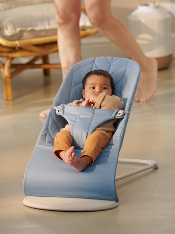 Babysitter Bliss blå bladmönstrad bomull